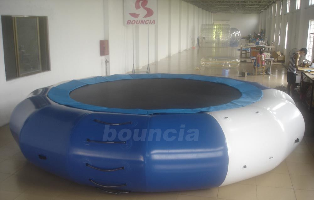 5m Diameter Inflatable Aqua Jumping Trampoline With Solid Net